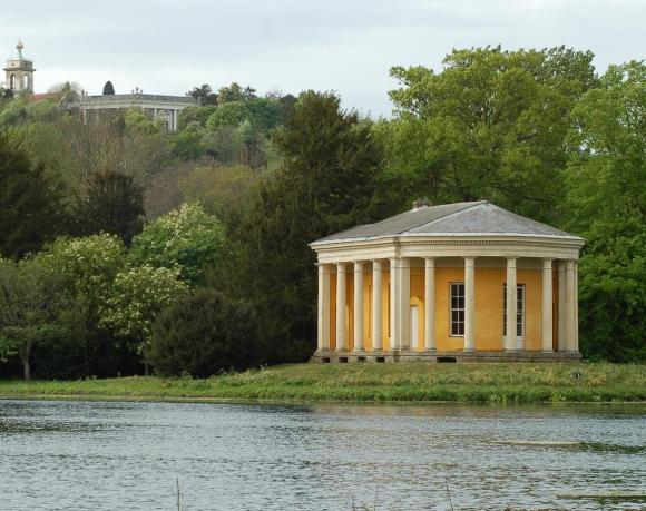 Temple_of_Music_in_West_Wycombe_Park